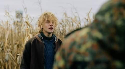 Том на ферме (Tom à la ferme, 2013) трейлер фильма на русском